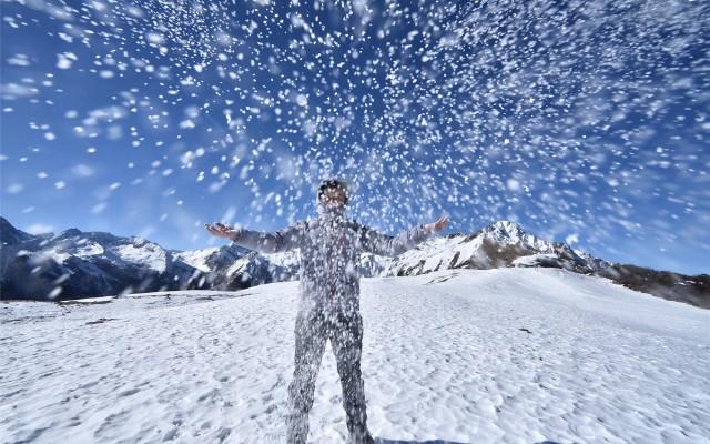 雪山的伴侶、寒冷的克星——KROSSTORM穿越風暴羽絨服