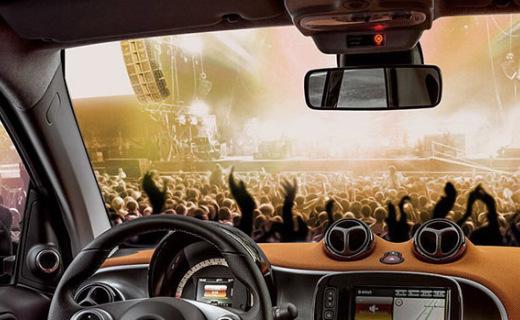 JBL車載揚聲器:強勁震撼重低音,開車都有勁兒