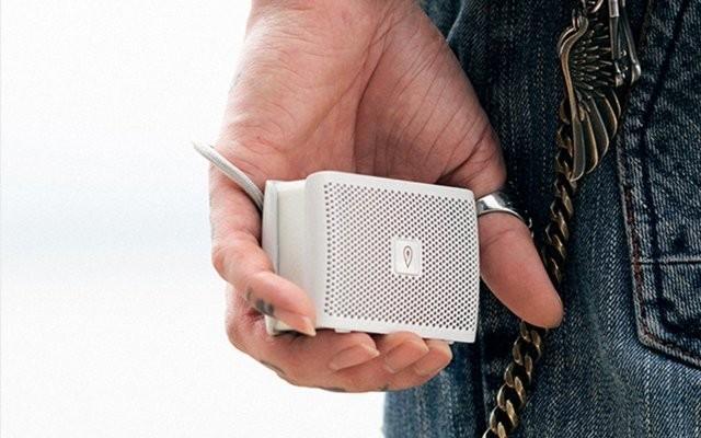 拿在手里带到户外的智能音箱-DOSS 掌上听智能蓝牙音箱