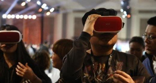 移动电影院V2.0发布   随时随地移动巨幕/移动3D体验