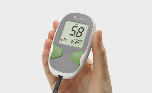 鱼跃悦准II型血糖仪:进口机芯五秒出结果,带250次采集数据存储