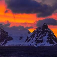 在南极,经历一次与?#20998;?#26377;关的冒险