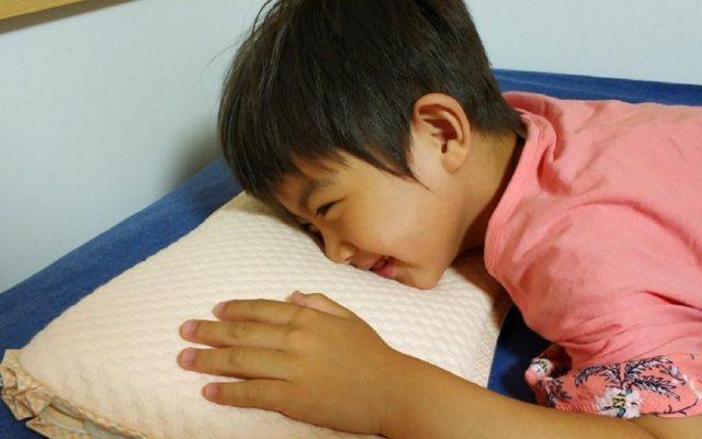"""""""咚暖夏良"""",一款可以通睡四季的贝谷贝谷儿童多用枕"""