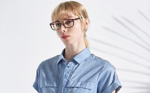 Calvin Klein鏡框:極簡風格大方時尚,防紫外線鏡片實用