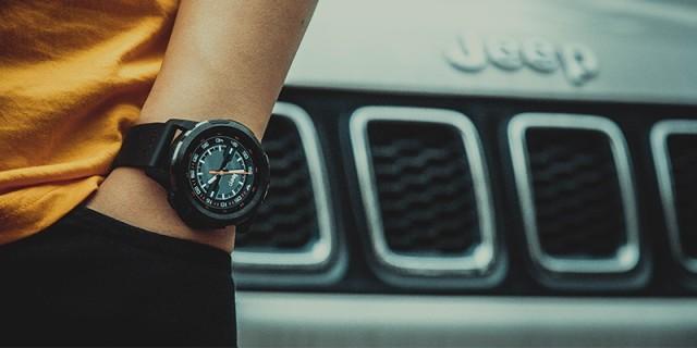 除了时间,我还能?#29942;?#26356;多:Jeep智能全境界腕表评测