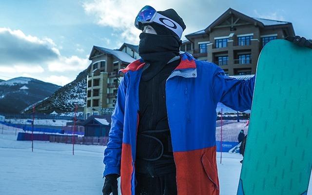 離滑雪大神只差一步,Demon滑雪護甲體驗