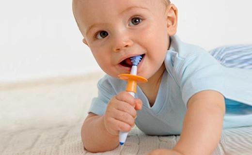 NUK嬰兒牙刷組:360度按摩顆粒幫助乳牙萌發,德國原裝進口