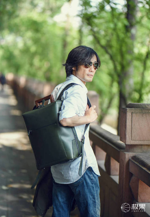 「體驗」堪稱極致細節的行李箱,連明星攝影師都被折服!
