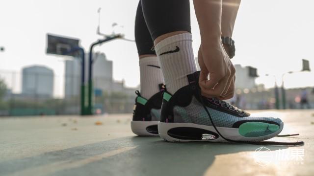 鞋圈瘋炒的黑科技!史上最輕AJ上腳實戰,硌腳偏碼卻還是要穿…...