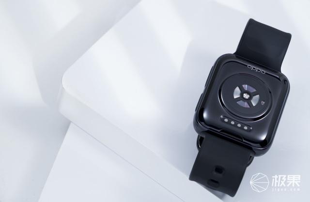 「全智能手表」也有超长续航!双擎混动+魔改安卓,OPPOWatch2上手