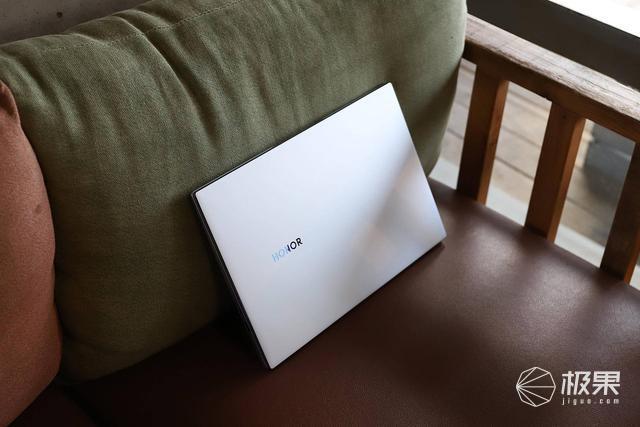 荣耀MagicBook14体验:再升级!更薄、更强、更长