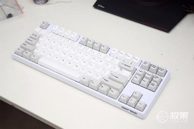 因祸得福,30块成本,让300的键盘拥有600的手感
