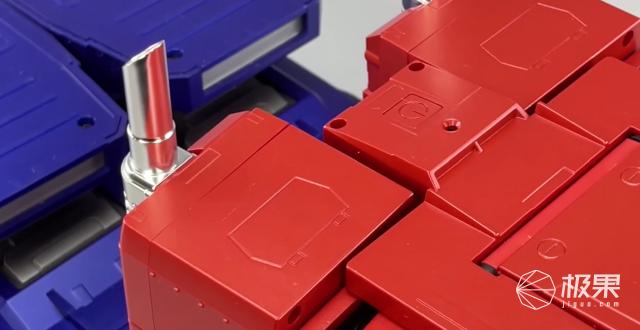 中国制造「擎天柱」,内置60个芯片,全自动变形,老外看傻眼!