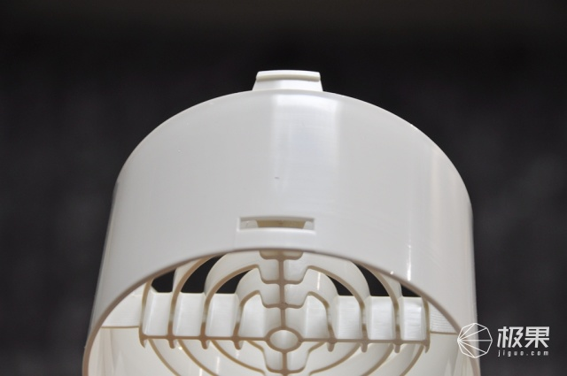 "10+AIR胶囊新风机,有效除霾,让家中随时""清风来"""