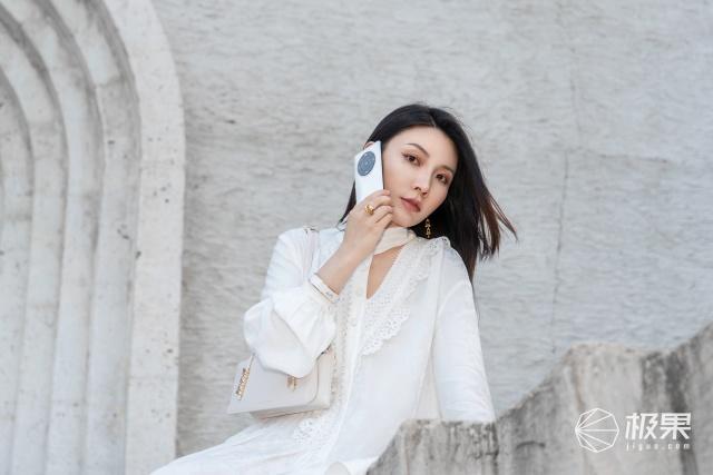 """和榮耀Magic3Pro一起穿出""""心機""""時尚感,初秋精致look指南"""
