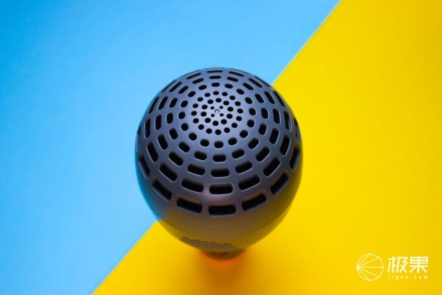 自带音响,随处K歌——唱吧K歌宝-小巨蛋麦克风G2MAX开