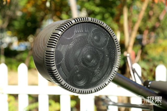 玲锐美音超人体验:新一代直播利器!专业音质加持,科技感十足