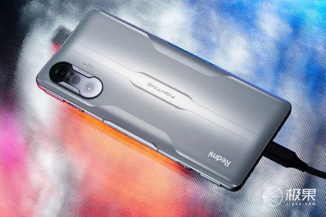 """红米K40""""游戏手机""""体验!轻薄机身更好看,还有双「磁动力肩键」加持"""