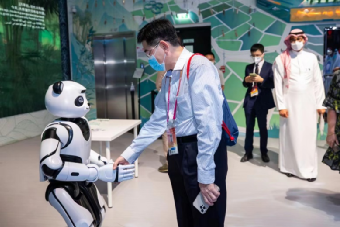 优必选机器人亮相迪拜世博会中国馆!创新科技展示中国制造