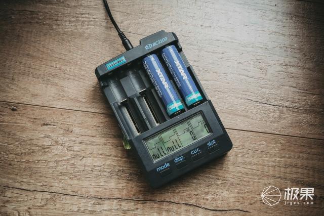 大道至简 XTAR-MC4S充电器
