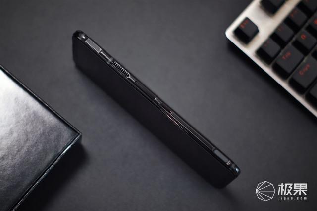 努比亚红魔5G游戏手机