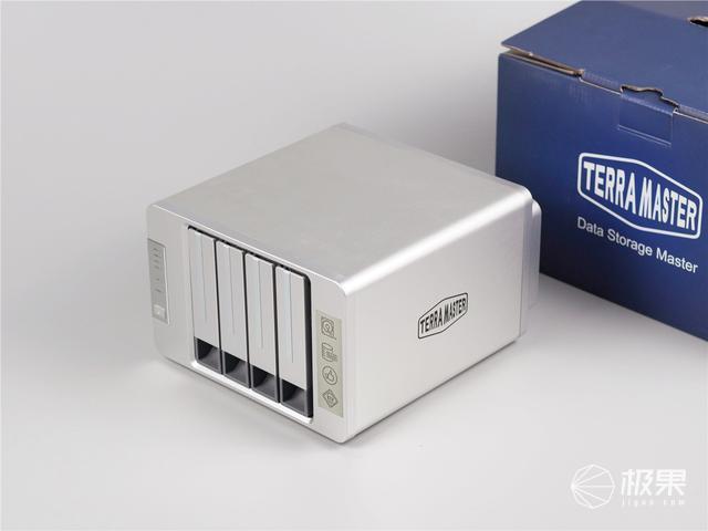 「超逸酷玩」铁威马F4-421云存储告别网盘限速和会员花费高