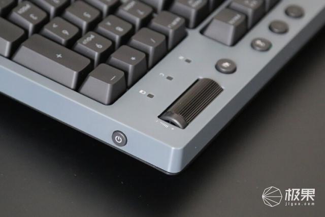 精致暖男:曜越TTG521Pro无线三模机械键盘开箱
