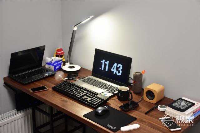 我的桌面进阶之路从自由混搭到假装专注办公