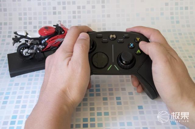 Whatever电脑电视游戏,一个手柄通通搞定!北通阿修罗3