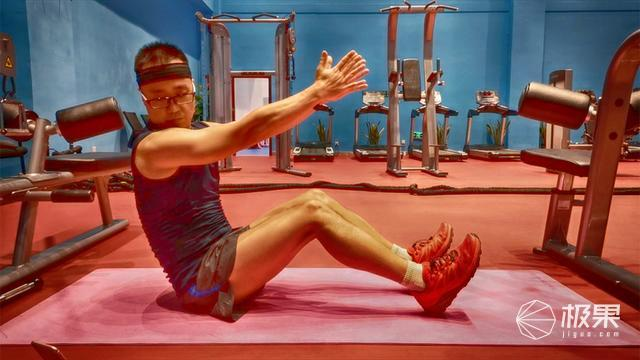 实时反馈、多场景使用的健身私教,Activ5便携健身仪体验