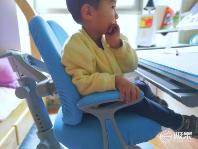 给孩子一个美好的学习时光|黑白调儿童桌椅开箱体验