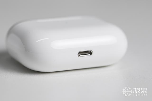 AirPodsPro开箱图赏:极致的佩戴感,愉悦的降噪效果!
