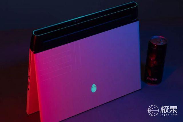 外星来的骚科技炸眼!酷炫灯效信仰本,还内置读心术……