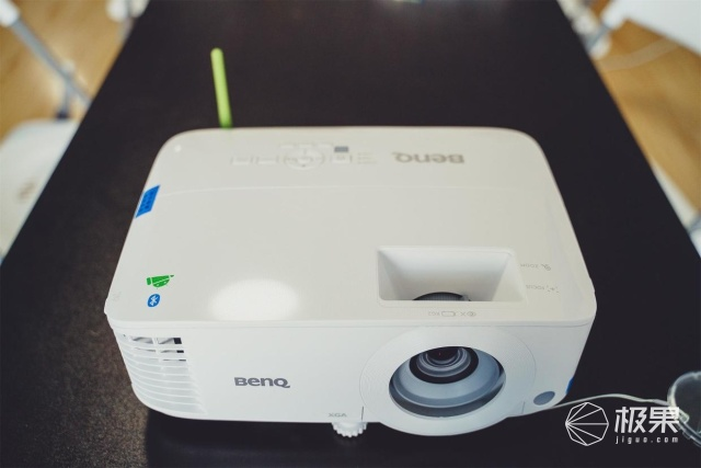 明基E540评测:一台分身有术的智能投影仪