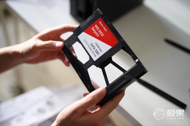 西部数据(WD)Red™系列网络储存硬盘