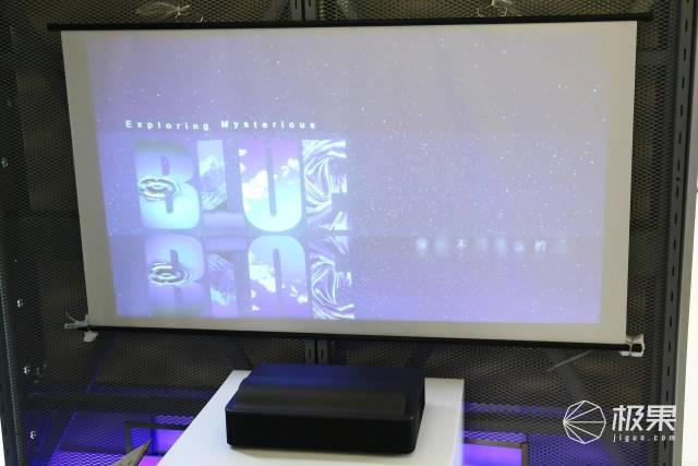 折叠屏手机随便玩?8K电视任你看,这场展会秀得我眼花缭乱……