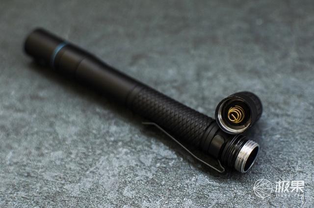 把光放进兜里随身携带|务本E19笔形手电体验