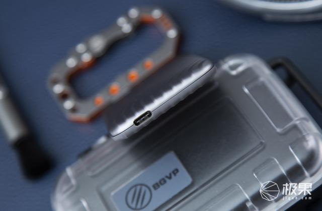 西部数据(WesternDigital)MyPassport™随行SSD版移动固态硬盘