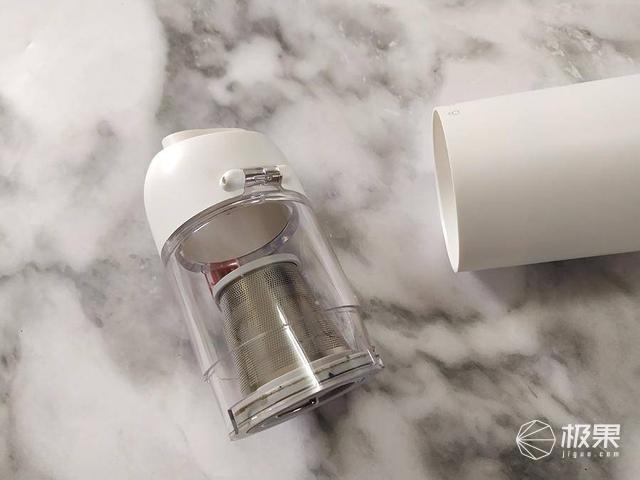 以为是个保温杯,没想到竟然是个便携吸尘器