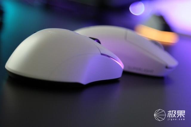 2021年梦想外设:冰豹KonePROAIR无线三模游戏