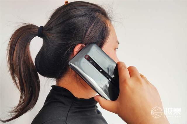 """腾讯红魔游戏手机6SPro""""四围""""深度测评,俺双手扶墙"""