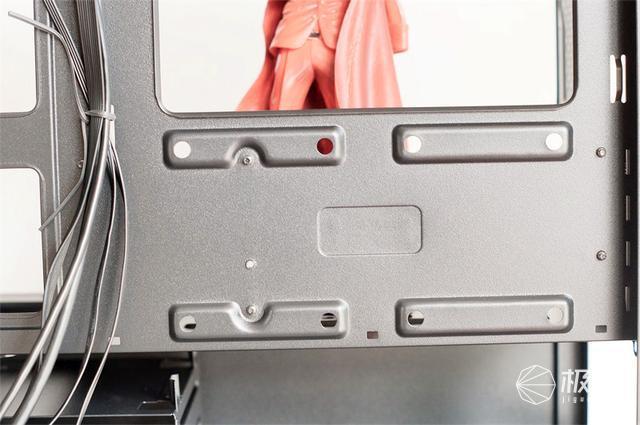 七个硬盘位和神秘的智瞳——酷冷至尊MB400L中塔机箱体验