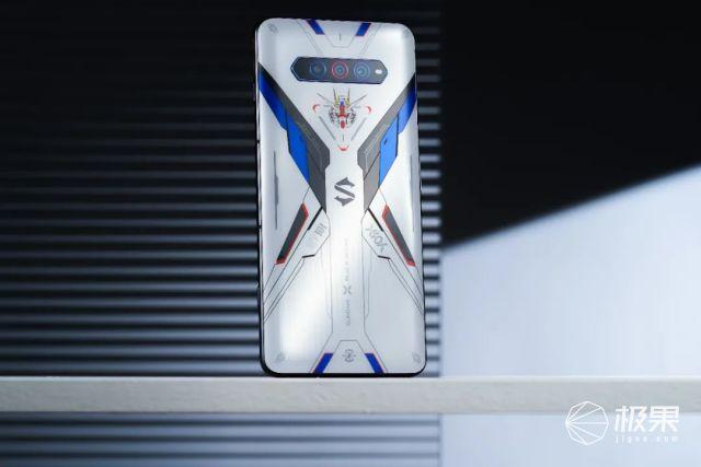 黑鲨游戏手机4S发布!竟然把《王者荣耀》变成了枪战游戏?!2699元起售...
