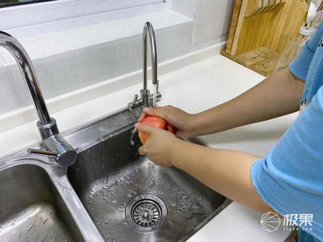 让孩子喝上鲜活矿物质水!立升婴爱净水器C5开启全新饮水体验