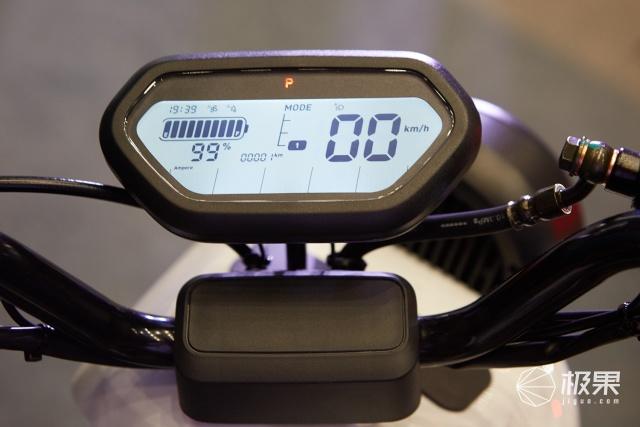 小牛电动新国标前发布新款电动车并首推专业运动自行车品牌NIUAERO