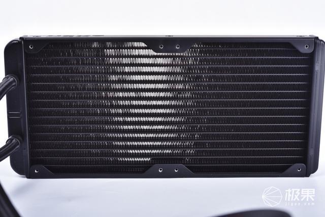 做机箱中最靓的仔恩杰KrakenZ63可视化水冷使用体验