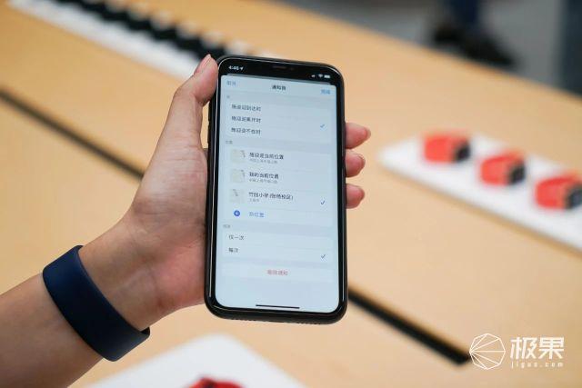 苹果新品「现场试玩」:iPad变快更漂亮了;AppleWatch变健康助理