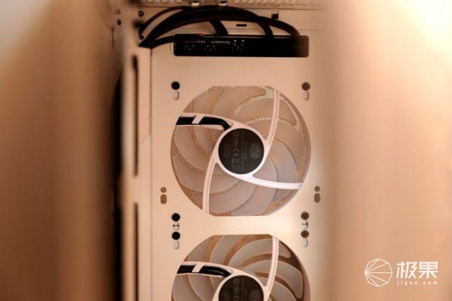 冷酷到底的中塔机箱:酷冷至尊TD500Mesh体验