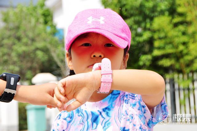 孩子的守護,家庭的幸福,阿拉町E7和H1兒童電話手表體驗