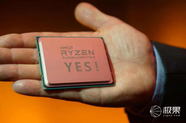 """微软亲儿子被AMD""""坑惨""""!万元笔记本竟是壳子货,摸完嫌弃哭……"""